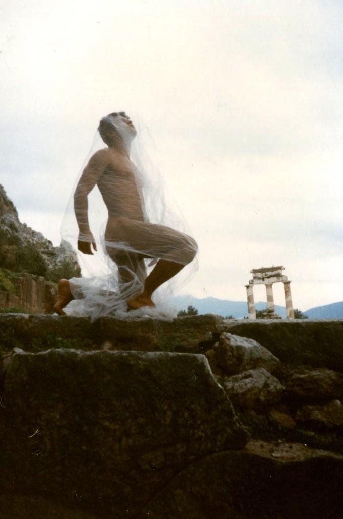 kostas-evangelatos-en-delfis-fotografia-archio-art-studio-est