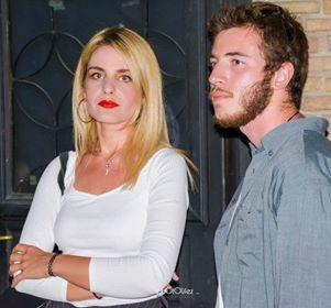 καλλιτέχνες σε απευθείας σύνδεση dating ο Μάικ βγαίνει με την Ντανιέλ Αμερικανίδες