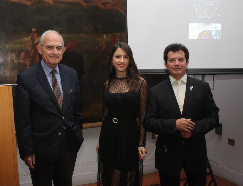 Ο Πρόεδρος του Μουσείου Αντώνιος Βογιατζής, Ευαγγελία Νάκα, ιστορικός τέχνης, Κώστας Ευαγγελάτος.