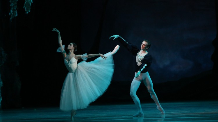 13-christmas-gala-baletou